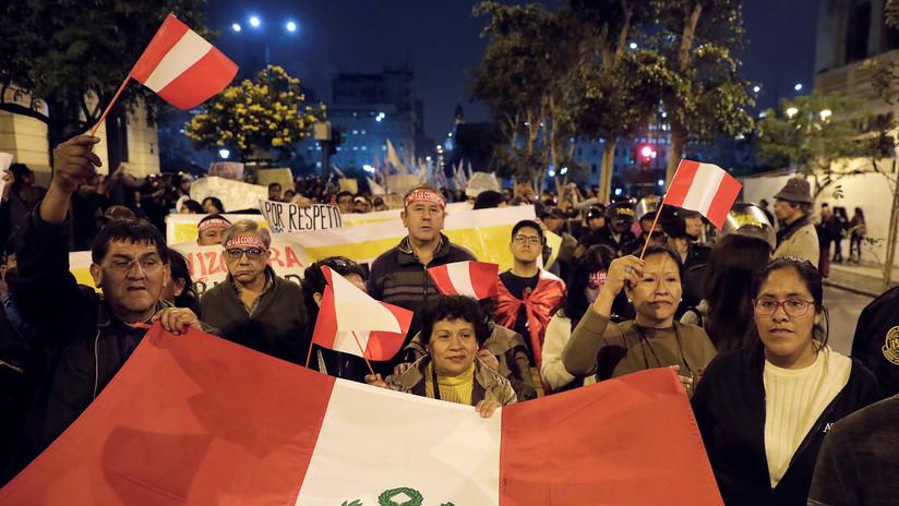 VIDEO: Protesta en Lima para apoyar al presidente Martín Vizcarra