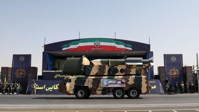 VIDEO: El Ejército iraní presenta nuevos vehículos tácticos blindados y robots militares inteligentes