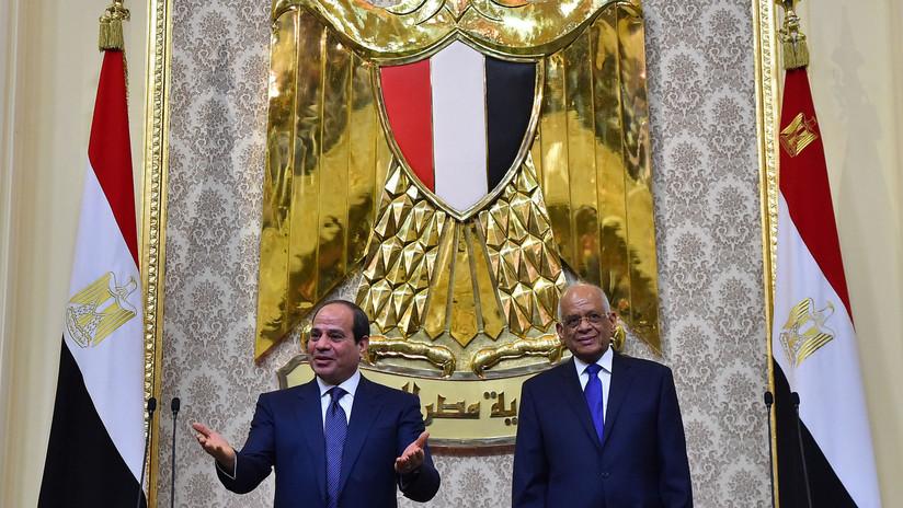 El presidente del Parlamento egipcio elogia la gestión de Hitler para respaldar los planes del presidente Abdelfatah al Sisi