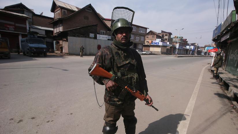 Al menos 10 heridos tras un ataque con granada fuera de la oficina del Gobierno de Cachemira controlado por la India