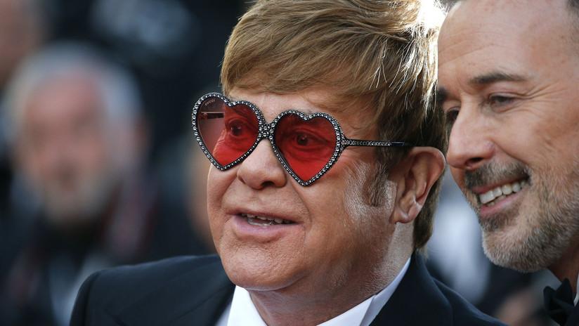 """Elton John revela que tuvo cáncer de próstata y estuvo """"a 24 horas de la muerte"""""""