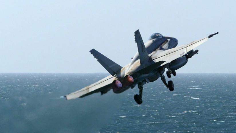 Fin de una época: el último F/A-18C Hornet de la Armada de EE.UU. realiza su vuelo final