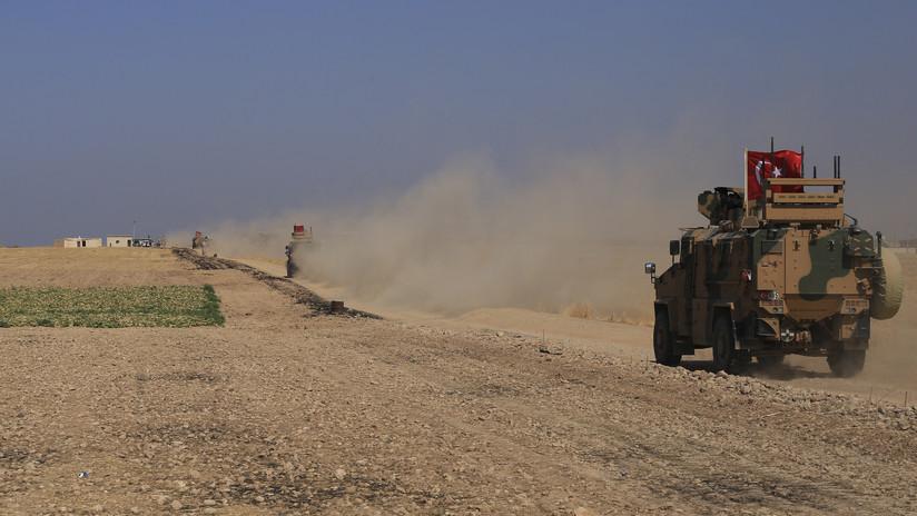 FOTOS, VIDEOS: Fuerzas turcas se acumulan en la frontera siria tras el anuncio de Erdogan sobre una inminente operación