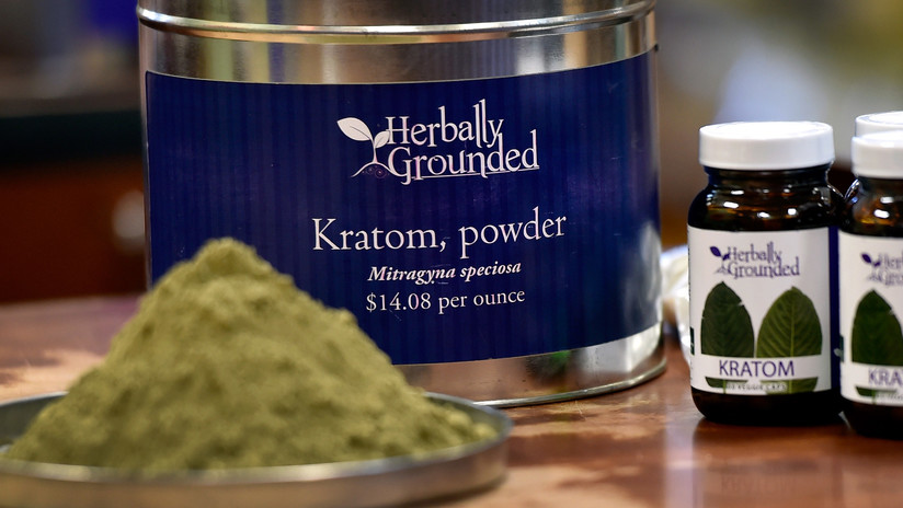 Los peligros que esconde un suplemento natural considerado como la 'heroína herbal'