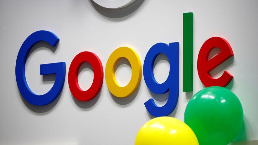 FOTO: Google se prepara para Halloween montando un cementerio para sus servicios 'muertos' en una de sus sedes
