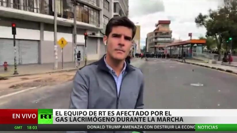 VIDEOS: Dispersan con gas lacrimógeno protestas en el centro de Quito contra el 'paquetazo' de Lenín Moreno, equipo de RT entre los afectados