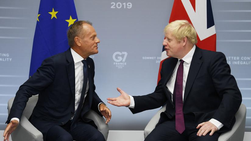 """""""No se trata de ganar un juego estúpido de acusaciones"""": Tusk arremete contra Johnson por el Brexit"""