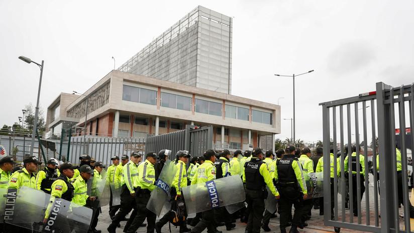 """La Policía de Ecuador allana la sede de una emisora de radio por supuesta """"incitación a la discordia"""""""