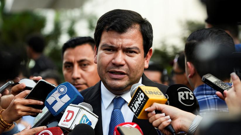 """El presidente de la Asamblea Nacional de Ecuador: """"No es momento de echar cargos políticos"""""""