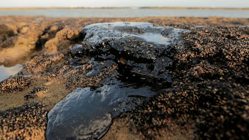 """El Gobierno de Brasil dice que las manchas de petróleo en las playas """"muy probablemente procedan de Venezuela"""""""