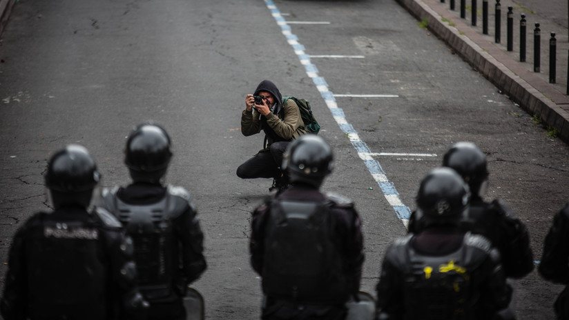 """""""Los medios son corresponsables de la crisis en Ecuador"""": ¿un estallido social silenciado?"""