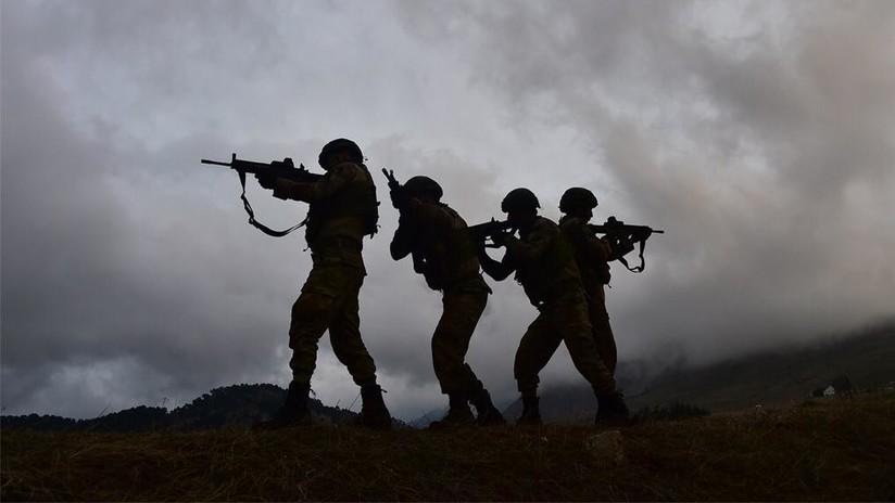 Artillería, aviones y soldados: Turquía muestra sus tropas durante el vasto operativo en Siria (VIDEO)