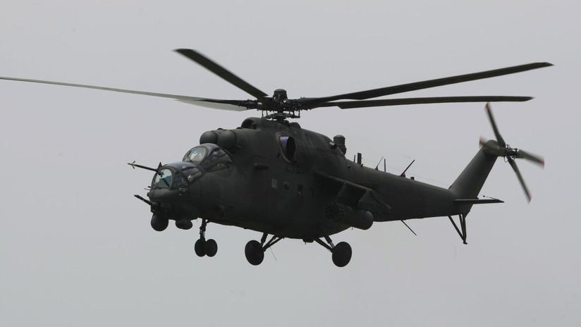 VIDEO: Un helicóptero de ataque Mi-35 destroza accidentalmente los elementos decorativos durante un desfile militar en Indonesia