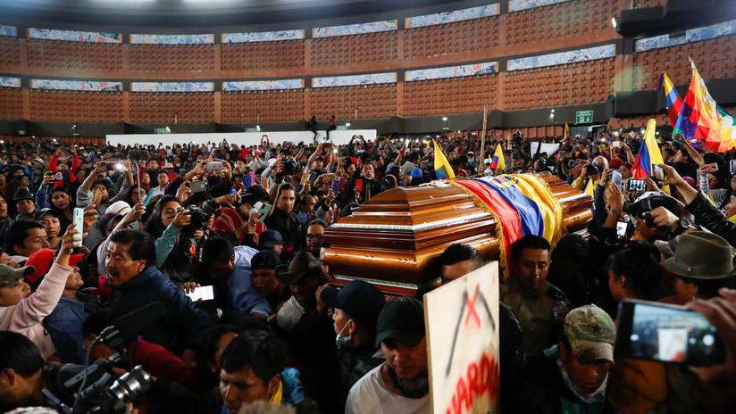 VIDEO: Movimiento indígena de Ecuador rinde homenaje a compañeros que fallecieron durante las protestas