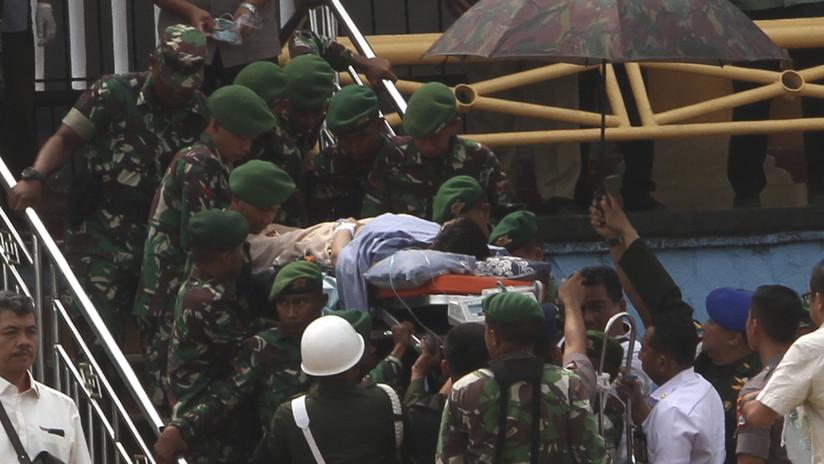 """Apuñalan al ministro de Seguridad de Indonesia en un acto público y el presidente exige tomar """"medidas severas"""""""