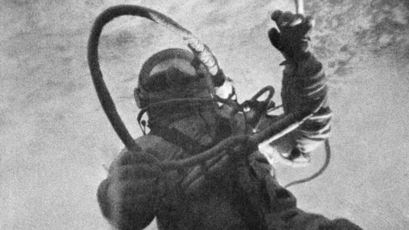 VIDEO, FOTOS: La histórica caminata del cosmonauta soviético Alexéi Leónov en el espacio abierto