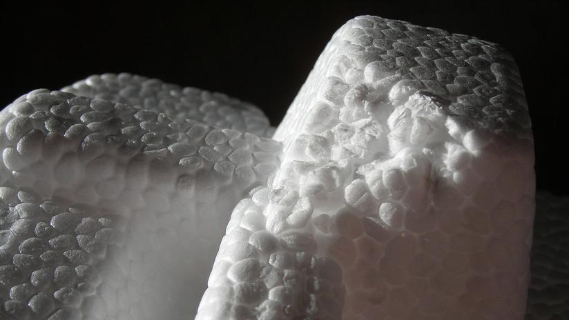 Descubren que un plástico que se consideraba casi eterno puede degradarse en décadas