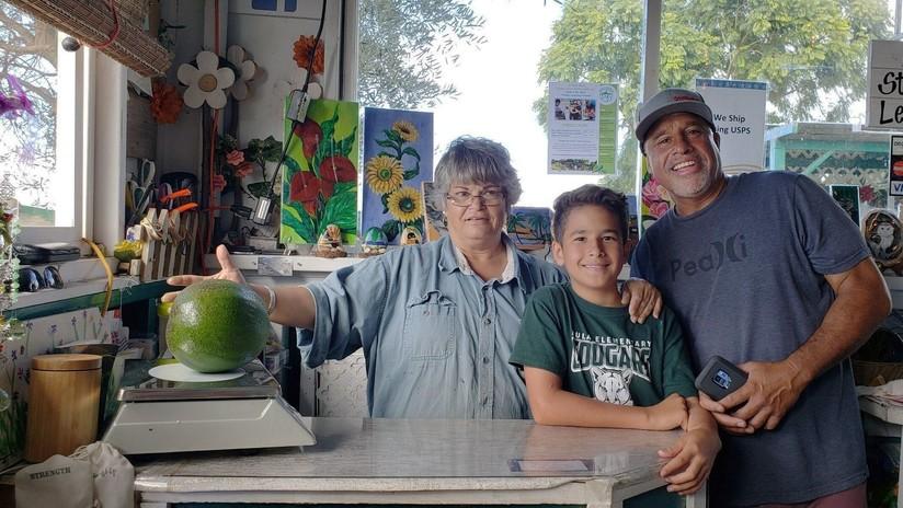 FOTOS: Familia hawaiana consigue un récord Guinness al cultivar el aguacate más pesado del mundo