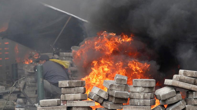 VIDEO: Un manifestante recibe el impacto de un proyectil en la cabeza durante las protestas en Ecuador