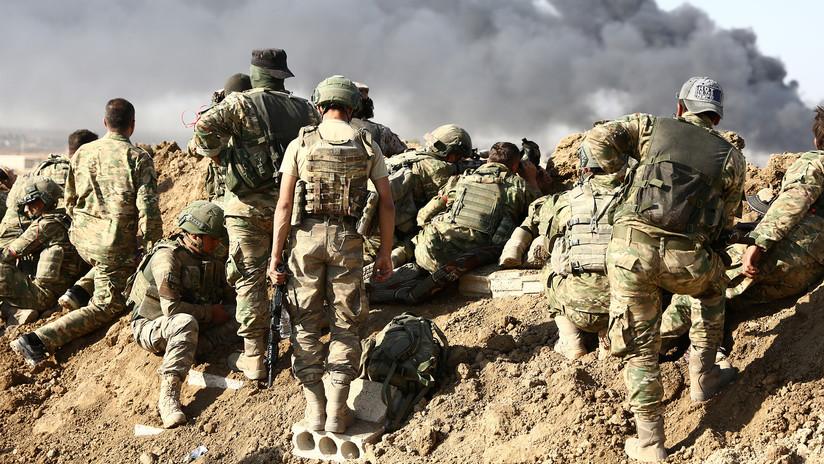 VIDEO: Rebeldes sirios involucrados en el operativo de Turquía ejecutan a dos prisioneros kurdos