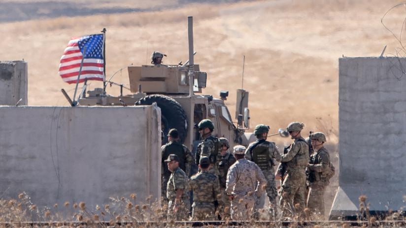 """El Pentágono confirma retirada de mil tropas de EE.UU. de Siria por el operativo de Turquía, cuyos participantes """"parecen"""" cometer crímenes de guerra"""
