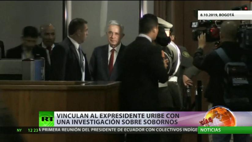 Vinculan al expresidente colombiano Álvaro Uribe con una investigación sobre sobornos