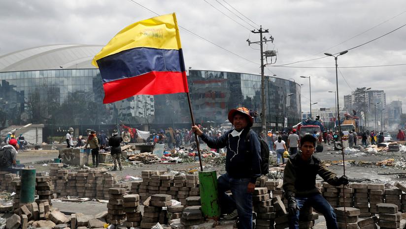 Fuego y disparos: la situación en Quito tras las duras protestas por las medidas de Lenín Moreno (VIDEO)