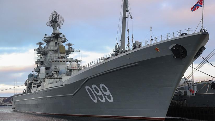 Congresista de EE.UU. felicita el aniversario de la Marina de su país usando la imagen de un buque de guerra ruso (FOTOS)