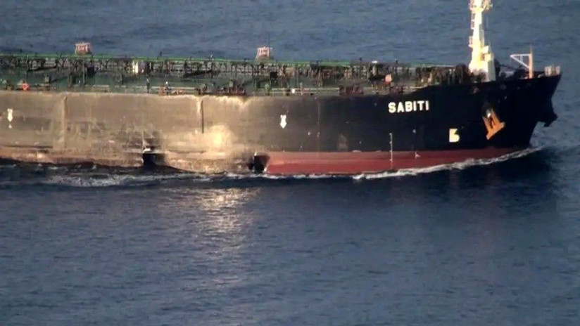 FOTOS: Difunden nuevas imágenes del petrolero iraní Sabiti tras ser atacado cerca de un puerto saudita
