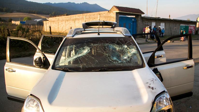 VIDEO: Hombres armados interceptan y secuestran a ocho personas en México