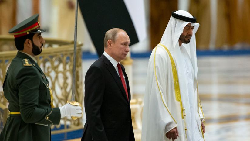 VIDEO: Emiratos Árabes Unidos envía a la 'Policía de tránsito rusa' para escoltar a Putin en su visita oficial