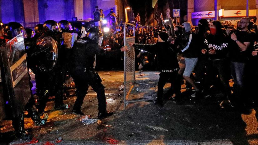 VIDEO: Nueva jornada de disturbios en Barcelona tras las protestas contra las condenas a los líderes independentistas catalanes
