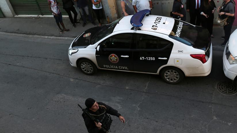 Ladrón armado besa a anciana a quien no quiso asaltar en Brasil