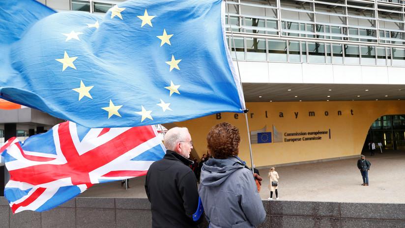 """La UE y Reino Unido alcanzan """"un nuevo gran acuerdo"""" sobre el Brexit"""
