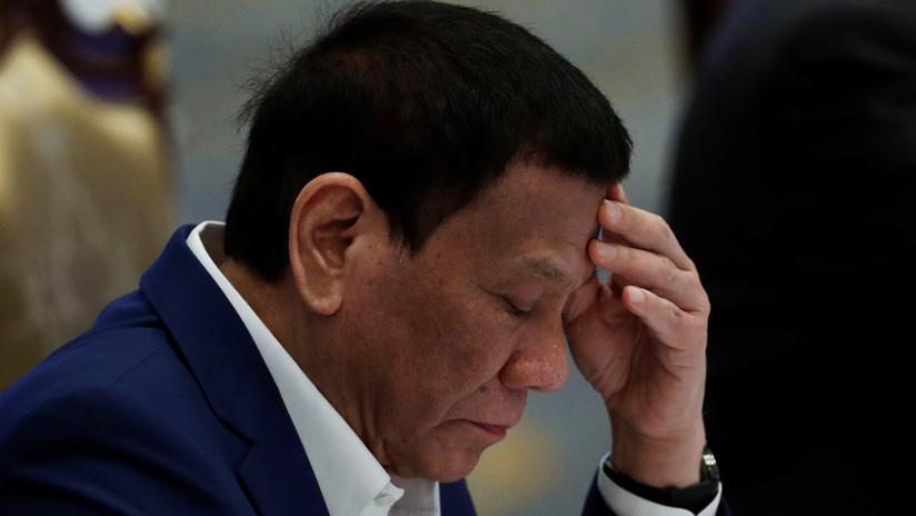 Duterte resulta levemente herido en un accidente de moto en su residencia oficial