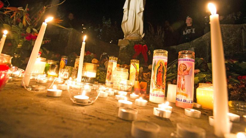 Condenan a conspiracionista a pagar 450.000 de dólares por negar que la masacre de Sandy Hook ocurriera realmente