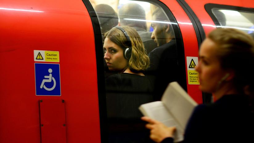 VIDEO: Ecoactivistas británicos tratan de paralizar el metro de Londres y sufren la furia de los pasajeros