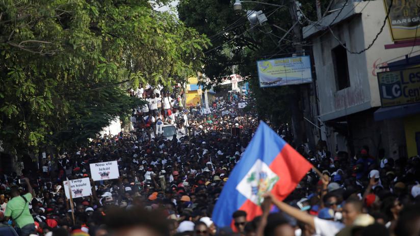Haitianos se mantienen en protesta ante negativa del presidente Moise a dejar el cargo