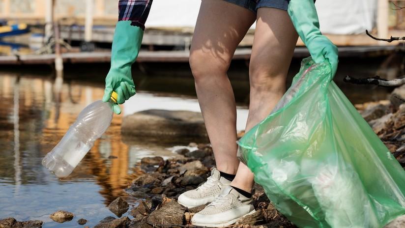 Rusia baraja prohibir las bolsas de plástico para 2024