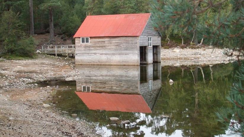 La inexplicable pérdida de agua en un lago escocés descubre un asentamiento de hace 750 años