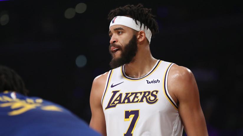 ¿Estrategia o trampa? Basquetbolista de los Lakers sufre una 'lesión' con la que desconcierta a sus rivales (VIDEO)