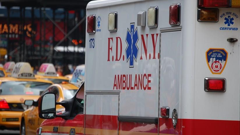 Nueva York: Empleado de emergencia sufre un derrame y el colega que va a ayudarlo también acaba en el hospital