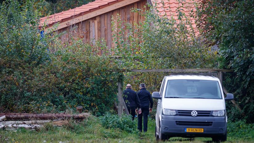 FOTOS, VIDEO: Aparecen las primeras imágenes del padre que encerró a su familia en una granja por 9 años en Países Bajos