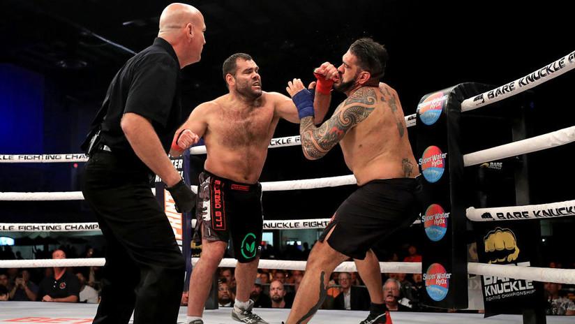 VIDEO: Noquea asu rival tras una lluvia de duros golpes durante un combate de boxeo sin guantes