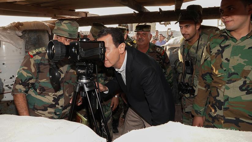 FOTOS, VIDEO: Al Assad se reúne con los militares sirios cerca de Idlib