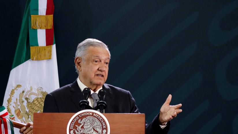 """López Obrador prohíbe a servidores públicos participar en """"asuntos partidistas"""" o tendrán que renunciar"""