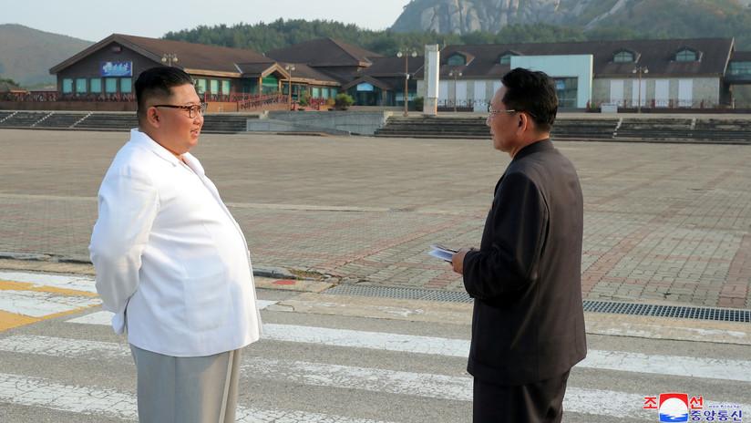 """FOTOS: Kim Jong-un ordena derribar los """"desagradables"""" edificios surcoreanos en una zona turística conjunta"""