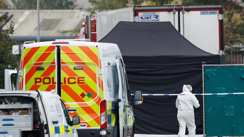 Descubren 39 cadáveres en un camión en Reino Unido