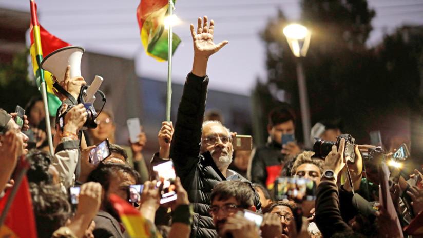 """VIDEO: El candidato presidencial opositor Carlos Mesa convoca """"movilización permanente"""" en Bolivia"""