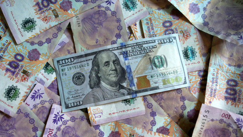 El dólar sube y aumenta el riesgo país en Argentina a cuatro días de las elecciones